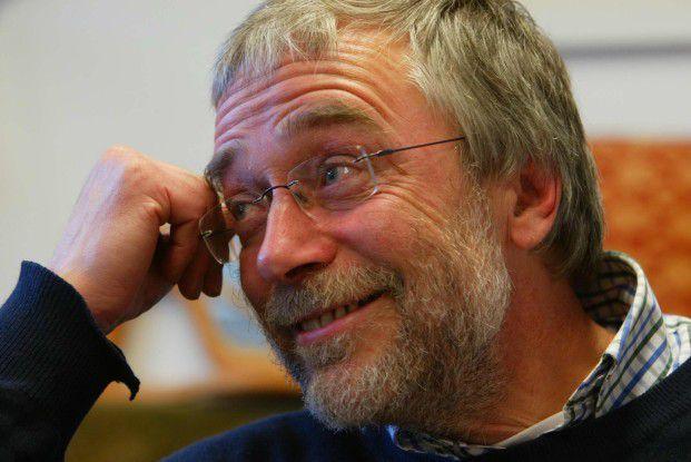 Hirnforscher Gerald Hüther appelliert an Führungskräfte, Mitarbeitern mehr Vertrauen und Verantwortung zu geben.