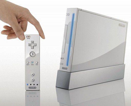 Der Controller der Wii erinnert eher an eine Fernbedienung.