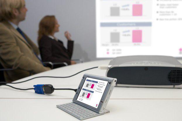 Der neue Ameo von T-Mobile mit 16-GB-Festplatte und 128 MB RAM ist ein Windows-Mobile-Smartphone im Look eines winzigen Notebooks.