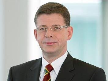 """T-Systems-Chef Reinhard Clemens hofft auf weitere """"Megadeals""""."""