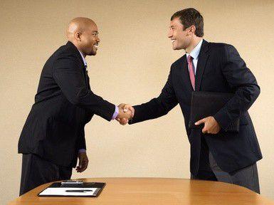 In internationalen Geschäftsbeziehungen ist interkulturelles Wissen von Vorteil (Foto: iofoto/fotolia.com).
