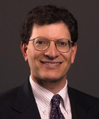 """""""Cloud Computing ist eigentlich nichts anderes als das, was wir als Grid Computing schon jahrelang machen"""", sagt Andy Mendelsohn, Oracle Senior VP of Database Server Technologies."""