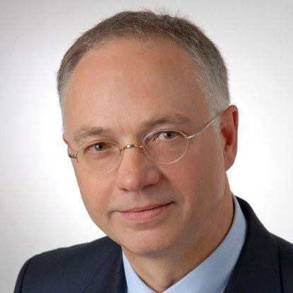 """Horst Westerfeld, CIO des Landes Hessen: """"Breitbandtechnologie hilft auch dezentral aufgestellten Verwaltungen."""""""