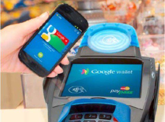 Viele Funktionen und daher anfällig - das Smartphone als digitaler Geldbeutel.