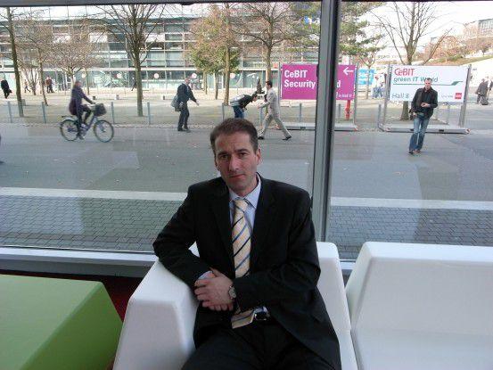 Der ehemalige Hacker und Senior IT-Consultant Gunnar Porada unterhielt sich auf der CeBIT mit CW-Redakteur Jan-Bernd Meyer über die Gefahren im Internet.