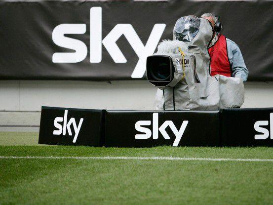 Sky will die Live-Rechte für die Bundesliga auf breiter Front auch mit Partnern vermarkten.