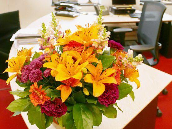 Blumen machen glücklich und produktiv. Bild: Fotolia, araraadt