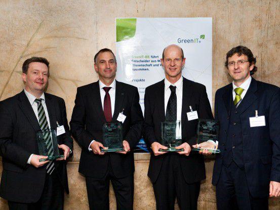 Die vier Gewinner des GreenIT Best Practice Award 2010 von links: Martin Immke (Horatio GmbH), Stefan Selbach (Dachser GmbH & Co KG), Matthias Göttler (SAP AG), Frank Schreiber-Handschug (Deutscher Sparkassen- und Giroverband).