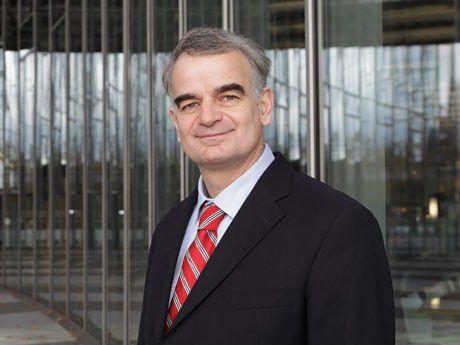 Johannes Helbig ist Mitglied des Bereichsvorstands Brief und CIO bei der Deutsche Post.