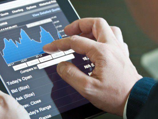 BI von unterwegs. Mobile BI-Lösungen auf Smartphones und Tablets wollen immer mehr Anwender nutzen.