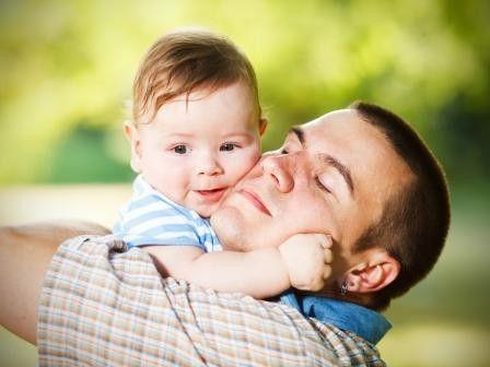 Vater sein ist mehr als eine gelegentliche Umarmung.