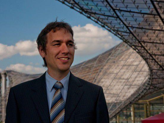 Entwickler aus Leidenschaft: Günther Reisner mag es, komplexe Strukturen zu begreifen und zu entwerfen.