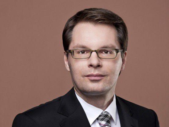 Ralph Wiegand bewirbt die neuen Angebote der Deutschen Post auf der CeBIT.