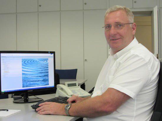 Achim Nikolic, kaufmännischer Geschäftsführer beim Raufasertapetenhersteller Erfurt & Sohn, haben SAP ERP erfolgreich implementiert und 15 Altsysteme auf einen Schlag abgelöst.
