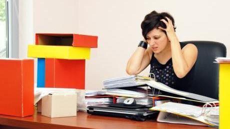 61 Prozent der jungen Frauen leiden unter Stress, so ein Ergebnis der DGB-Studie Gute Arbeit.