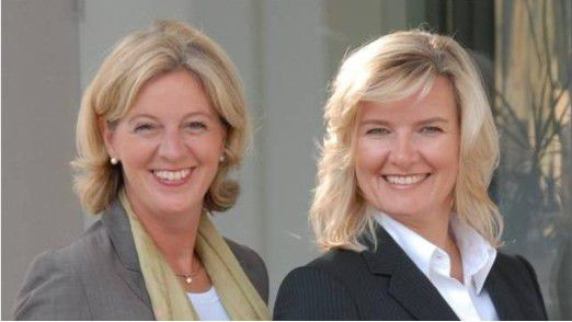 Anke Quittschau (rechts) und Christina Tabernig von korrekt kennen sich aus in Sachen Etikette.