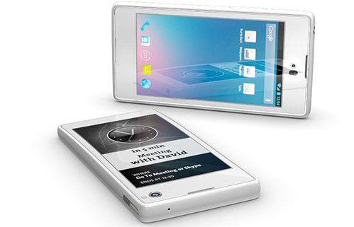 Das YotaPhone aus Russland bietet auf der Rückseite ein zusätzliches E-Ink-Display.