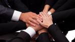 Unternehmenskultur: Mitarbeiter binden - mit Geld und gutem Klima - Foto: Andrey_Popov shutterstock