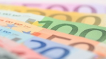 IT-Gehälter 2013: Gehaltsrunde für IT-Profis fällt mager aus - Foto: Fotolia, Rene Schubert