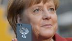 Das Weiße Haus bleibt cool: Haben die USA Merkels Handy überwacht? - Foto: Deutsche Messe