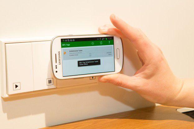 digitalSTROM will iBeacon dazu nutzen, um je nach Abstand vom Sendesignal unterschiedliche Aktionen zu definieren werden können, Licht ein und Licht aus zum Beispiel.