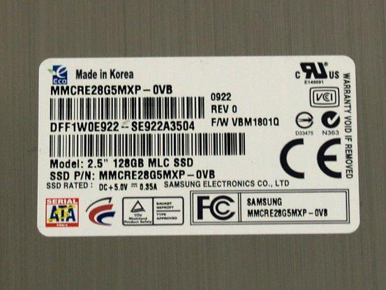 Auf unserer Test-SSD war noch die alte Firmware-Version aufgedruckt.