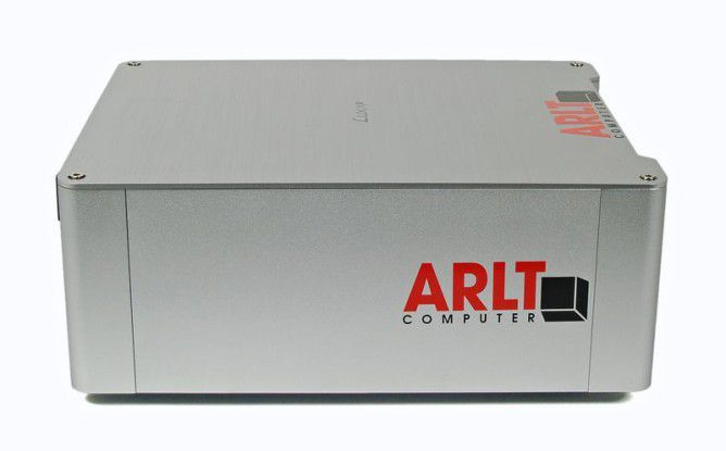 übergroße Logo-Aufkleber auf der Arlt Home Mediabox 7 Intel Atom N330