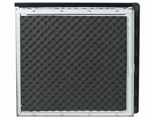 Dämmmatten auf der Innenseite des Mifcom Phenom II 955 - HD5850 Silent