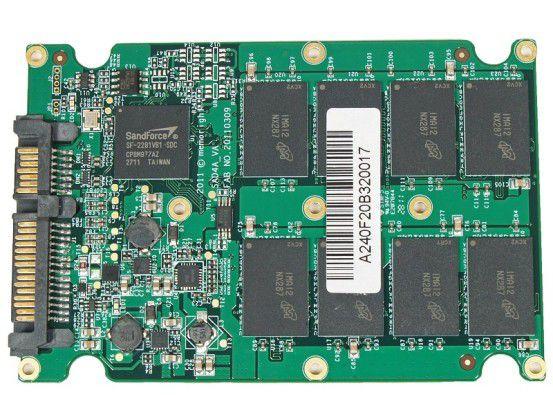 Vorderseite der SSD-Platine der Memoright FTM Plus 240GB
