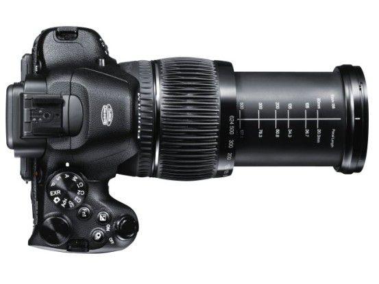 Das 26fach-Zoomobjektiv der Fujifilm X-S1 deckt einen Brennweitenbereich von 24 bis 624 Millimeter ab.