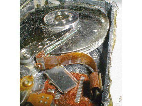 Mechanische Defekte können auch während der Garantiezeit des Datenträgers auftreten.