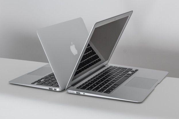 Die beiden Modelle des Macbook Air mit 11 Zoll und 13 Zoll großem Display im Größenvergleich.