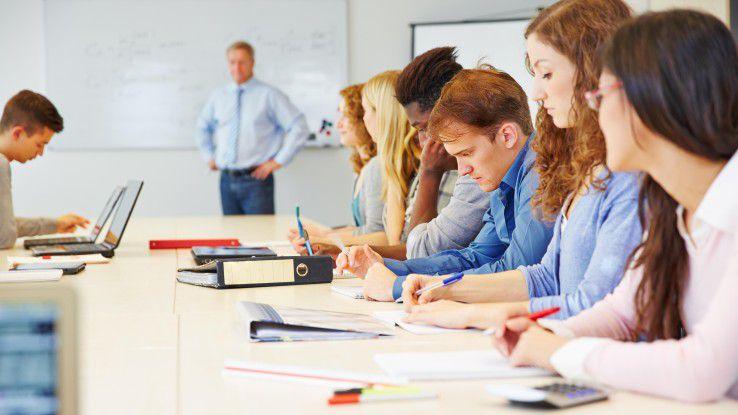 Weiterbildungen wollen gut organisiert sein, vor allem wenn sie in größerem Stil ausgerollt werden.