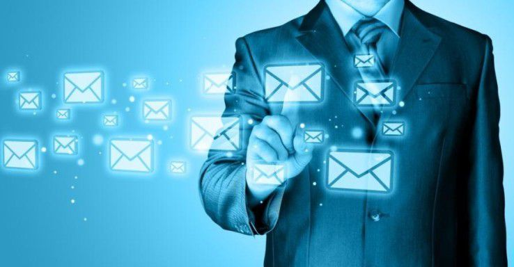 IBM Verse macht nichts anderes wie andere E-Mail Clients auch: Es verschickt und empfängt E-Mails. Allerdings geht IBM bei der Neuentwicklung des User Interfaces einen größeren Schritt als die Mitbewerber.