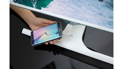 Qi-Wireless-Charging: Samsung - Displays mit Ladefunktion für Smartphones - Foto: Samsung