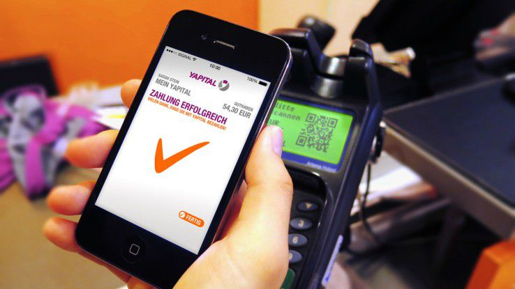 Mit der Yapital-App kann man unter anderem bei Rewe, Douglas oder Sport Scheck mobil bezahlen