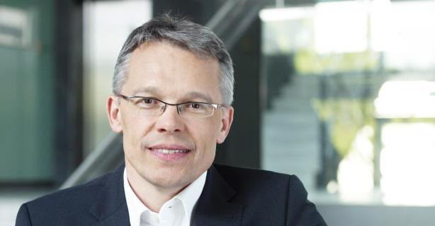 Arbeiten in einer internationalen Beratung: Karriereratgeber 2015 - Uwe Kloos, NTT Data - Foto: NTT Data