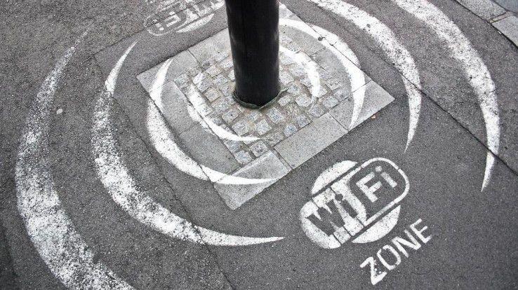 Nicht nur Unternehmen stellen ihren Gästen, sondern manche Städte stellen auch ihren Bewohnern und Gästen kostenloses WLAN zur Verfügung.
