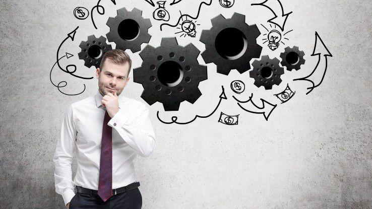 Weiterbilden oder umorientieren? Ein User im Karriereforum ist sich unsicher, wie er seine Karriere weitergestalten soll.