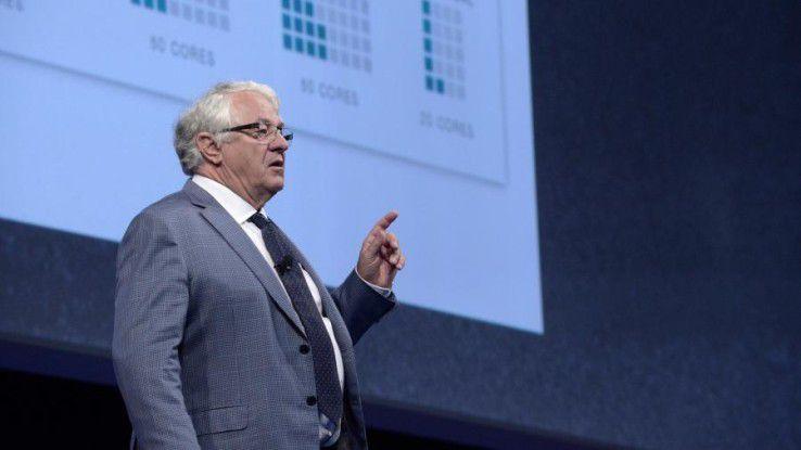 """SAP-Vorstandsvorsitzender Hasso Plattner: """"Wir müssen das enorme Potenzial einer In-Memory-Plattform voll ausschöpfen, um Unternehmensanwendungen auf neue Weise zu konzipieren. Nur so erreichen wir eine dramatische Vereinfachung des Anwendungscodes."""""""