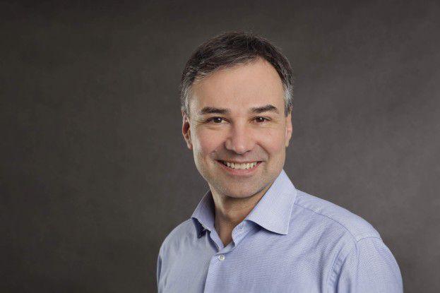 """Gerd Simon, Senior Analyst, Crisp Research AG: """"Für IT-Infrastrukturen, die in einen oder mehrere Schränke passen, ist das Micro-Datacenter eine kostengünstige Alternative zum gesicherten Server-Raum."""""""