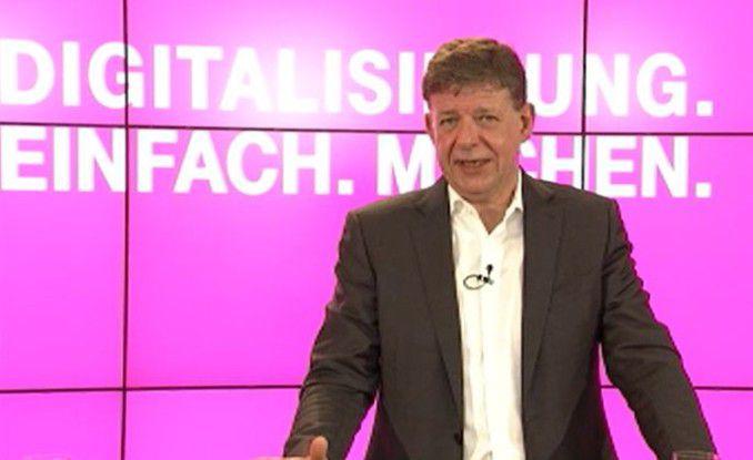 """Unter dem Motto """"Digitalisierung einfach machen"""" blies Telekom-Vorstand und T-Systems CEO Clemens zum Angriff."""
