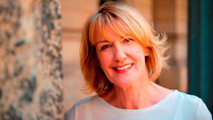 Christiane Funken lehrt an der Technischen Universität Berlin Soziologie. Die Professorin forscht seit vielen Jahren über Aufstiegschancen und Karrierehindernisse von Frauen, Fragen der Kommunikations- und Mediensoziologie sowie zu Organisationen und wie sie sich mit neuen Technologien verändern.
