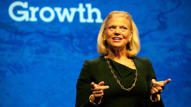 Lässt den Kopf trotz immer weiter sinkenden Einnahmen nicht hängen: IBM-Chefin Virginia Rometty.