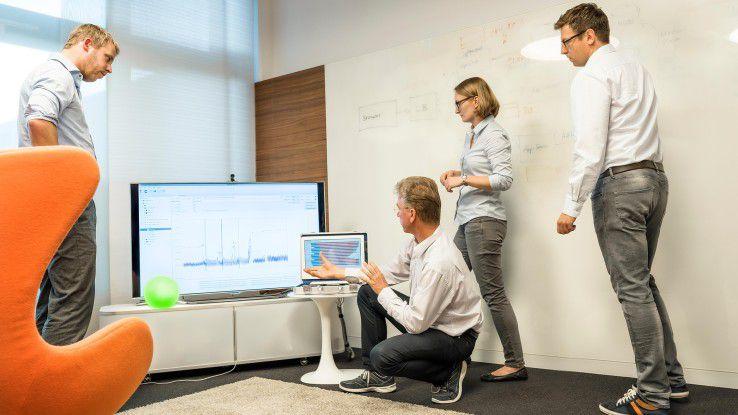 Jeden Freitag geht das Sanierungsteam, das je nach Projekt aus drei bis fünf Softwareingenieuren besteht, in Klausur und überprüft, ob die Qualität der Maßnahmen den Zielen auch Stand hält.