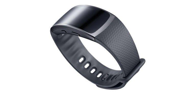 Die Samsung Gear Fit 2 trägt sich sehr angenehm.