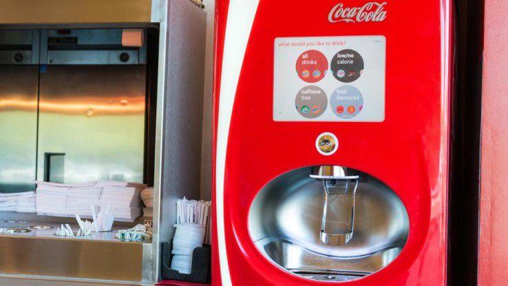 Coca Cola Freestyle: Dank 30 Patronen mit hoch konzentrierten Geschmacksrichtungen lassen sich über 100 verschiedene Geschmacksrichtungen kreieren.