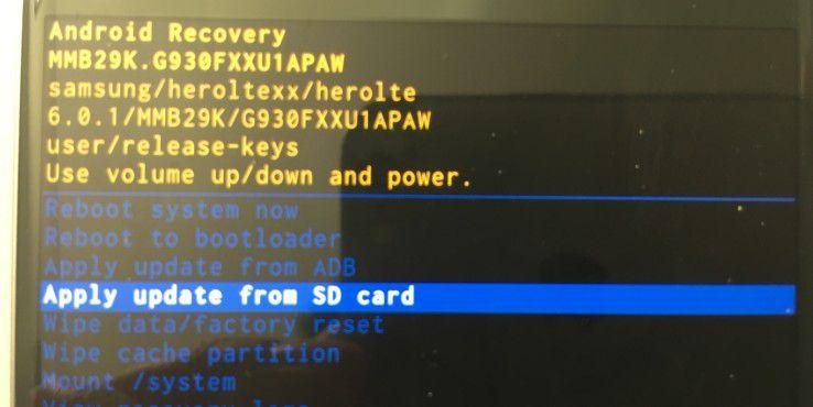 """Die Option """"apply update from SD card"""" ermöglicht es Ihnen, auf Updates für Ihr mobiles Gerät von Ihrer Micro-SD-Karte zurückzugreifen."""