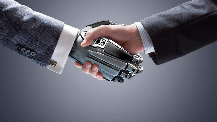 Mit Fachwissen und Soft Skills kann der Mensch gegen den Kollegen Roboter punkten.