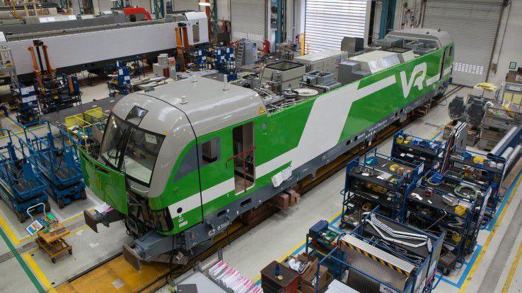 Vom Projektgeschäft mittels Digitalisierung zum Produktgeschäft (im Bild Vectron-Montage bei Siemens in Münnchen Allach)